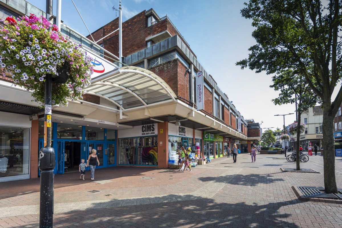 Sunny day at the Pavilions Shopping Centre, Waltham Cross